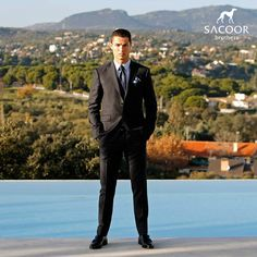 ♫ … cause every girl's crazy 'bout a sharp dressed man ♫ Cr7 Jr, Good Soccer Players, Cristiano Ronaldo Cr7, Sharp Dressed Man, How To Make Shorts, Every Girl, Male Models, Sexy Men, Men Dress