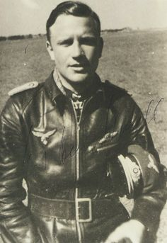 ✠ Karl-Heinz Schnell (10 January 1915 – 13 March 2013) RK 01.08.1941 Oberleutnant Staffelkapitän 8./JG 51