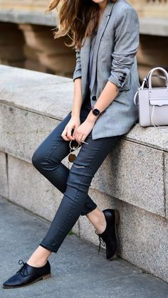 Flawless Summer Outfits Ideas For Slim Women That Looks Cool - Oscilling Casual Work Outfits, Business Casual Outfits, Mode Outfits, Office Outfits, Work Casual, Casual Chic, Fashion Outfits, Chic Outfits, Office Attire