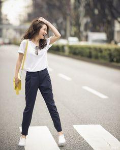 要選擇一件適合外出與上班等多項場合的百搭褲的話,束口褲絕對能滿足各種生活場景需求的百搭單品,今年夏天,UNIQLO汲取這份靈感,運用不同的剪裁與布料設計多種款式,打造出商務、休閒、運動皆宜的革命新褲裝Jogger Pants自在束口褲系列...,UNIQLO,自在束口褲系列,UNIQLO JOGGER PANTS,束口褲,桂綸鎂