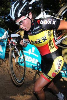 Cyclists pro female