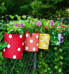 "Amazing DIY Ideas for Decorating Your Garden Uniquely"". This is a garden decoration idea near the house that is very inspiring. Cottage Garden Design, Flower Garden Design, Backyard Garden Design, Diy Garden Decor, Fence Garden, Diy Fence, Backyard Ideas, Garden Landscaping, Garden Types"