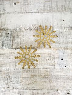 Trivets 2 Brass Snowflake Shaped Trivets Christmas Kitchen Decor Winter Decor Holiday Table Decor Brass Wall Hanging Snowflake Wall Art by TheDustyOldShack on Etsy