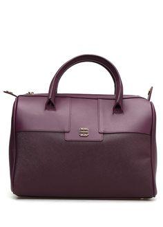 Fermuar kapatmalı, kulplu, çıkarılabilir omuz askılı, iç cepli, logolu Beymen çanta. 30x22x18 cm