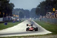 f1 Pedro Rodriguez (Ferrari 312-69) & Silvio Moser (Brabham-Ford BT24), 1969 Italian Grand Prix, Monza