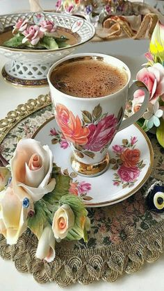 Among life's simplest, yet most enduring pleasures is a cup of hot coffee. Coffee Vs Tea, Coffee Love, Coffee Break, Coffee Drinks, Coffee Cups, Tea Cups, Best Coffee Grinder, Coffee Facts, Good Morning Coffee