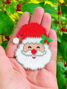 Plastic Canvas Ornaments, Plastic Canvas Christmas, Plastic Canvas Crafts, Plastic Canvas Patterns, Peyote Stitch Patterns, Bead Crochet Patterns, Beading Patterns, Bracelet Patterns, Beaded Christmas Ornaments