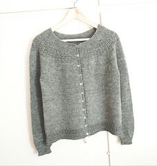 Ravelry: Jaycee pattern by Isabell Kraemer Sweater Knitting Patterns, Cardigan Pattern, Lace Knitting, Knitting Designs, Knit Cardigan, Cardigan Sweaters For Women, Cardigans For Women, Pulls, Crochet