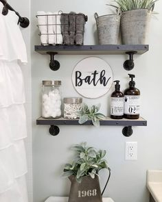 27 Best Rustic Farmhouse Bathroom Makeover Ideas * aux-pays-des-fleu… 27 besten rustikalen Bauernhaus Badezimmer Makeover Ideen * das Land-of-fleu … Small Bathroom Storage, Bathroom Design Small, Bathroom Shelves Over Toilet, Floating Shelves Bathroom, Bathroom Cabinets, Bathroom Vanities, Small Bathroom Decorating, Half Bath Decor, How To Decorate Bathroom