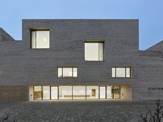 Image 1 of 44 from gallery of City Library Heidenheim / Max Dudler. Photograph by Stefan Müller Wood School, Facade Lighting, City Library, Brick Building, Contemporary Architecture, Old Town, Surface Design, Mansions, Dudler