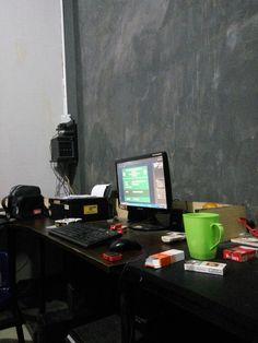 Meja kerja kantor advertising
