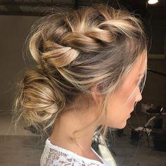 Deslize o dedo na tela e verifique o álbum de inspirações de penteados que escolhemos para vocês! #hair #penteado #hairstyle #santteestilo