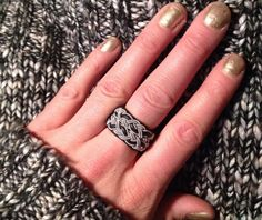 T Bone Jewelry, Wire Weaving, Beaded Rings, Beautiful Rings, Jewelry Crafts, Pixie, Jewerly, Rings For Men, Glitter