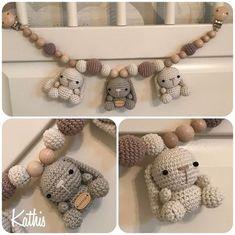 På denne side viser jeg et lille udvalg af de produkter, jeg har til salg. Crochet Baby Toys, Baby Hats Knitting, Crochet For Boys, Newborn Crochet, Baby Knitting Patterns, Knit Crochet, Crochet Patterns, Knitting Ideas, Little Cotton Rabbits