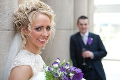 Natural curly wedding hairstyle http://goodbyemiss.com/wedding/a-countryside-wedding-from-ronan-mcgrade-photography