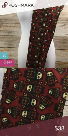 🦄 Lularoe OS Owl Leggings! Unicorn Alert 🚨 Lularoe has SERIOUSLY put my love for owls into overdrive!! How stinken CUTE are these! If you're an owl, or any bird for that matter, lover you absolutely need these leggings in your life! I love them because they're not super intense in your face, but they're still OWLS! Deep rust colored red background, owls are outlined in black. Made in Vietnam. Classic buttery smooth material that we all know and love! Brand new, in bag, never worn, with…