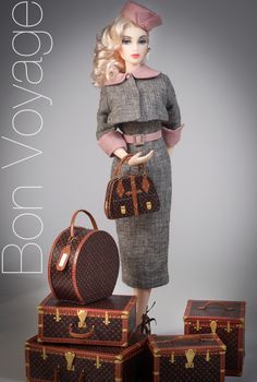 JAMIEshow Oona ~ wig by Ilaria ~ Luggage by Benshop ~ Image and styling by Tom Logan ~ The Studio Commissary/kw