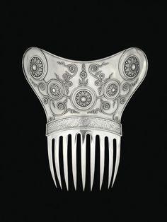 Tiffany &Co  sterling silver ornamental hair comb, New York, c1890 (Virginia MFA)