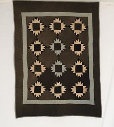 Old Order Amish Bear Paw Crib Quilt - Rocky Mountain Quilts Antique Quilts, Vintage Quilts, Or Antique, Amish Quilt Patterns, Amish Quilts, Texas Quilt, Bear Paw Quilt, Quilting Quotes, American Quilt