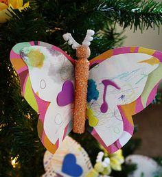 perfect ornament the girls can actually, legitimately make for Christmas gifts Diy Holiday Gifts, Teacher Christmas Gifts, Christmas Crafts For Kids, Holiday Crafts, Kids Crafts, Diy Gifts, Homemade Ornaments, Diy Christmas Ornaments, Christmas Decorations