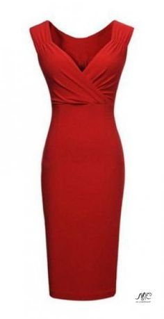 Платье-карандаш – это классика и элегантность.