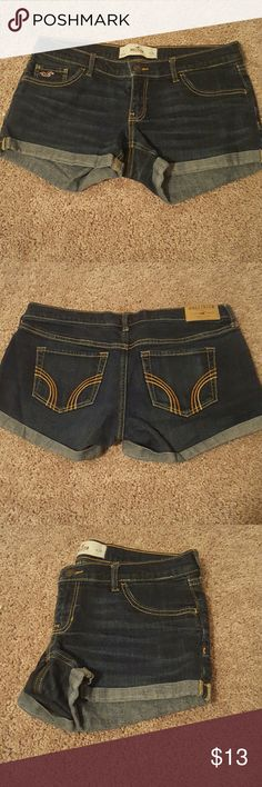 SALE ON SUMMER ITEMS!!??? Hollister size 7 cheeky Jean shorts Hollister Shorts Jean Shorts