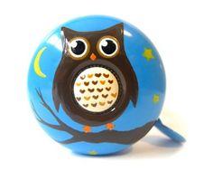 Dring Dring Bike Bell: Bell Owl by KIKKERLAND, http://www.amazon.co.uk/dp/B007FHGGO0/ref=cm_sw_r_pi_dp_hcF1qb05QH6F5