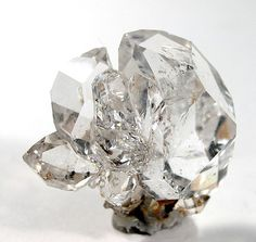 Herkimer Diamond (Quartz) ♥ They emanate a bright light, helping to purify one's energy field. Minerals And Gemstones, Crystals Minerals, Rocks And Minerals, Stones And Crystals, Gem Stones, Cristal Art, Herkimer Diamond, Diamond Quartz, Diamond Gemstone