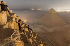Egypt Easter Tour to Giza Pyramids, Cairo and Nile Cruise Luxor Aswan Package. Easter Tours to Egypt. Lago Retba, Great Pyramid Of Giza, Pyramids Of Giza, Giza Egypt, Egypt Travel, Luxor, Places Around The World, Wonderful Places, Amazing Places