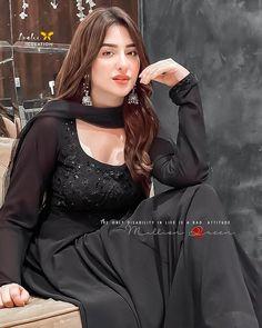 Cute Girl Pic, Cute Girls, Pakistani Bridal Makeup, Anarkali Dress, Girls Dpz, Attitude, Goth, Dresses, Fashion