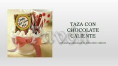 Taza navideña con cocoa