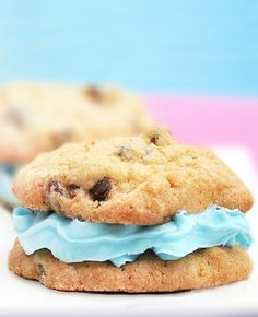 Healthy cookies that actually taste like those freshly-baked ones from Tollhouse. People go CRAZY for these cookies!