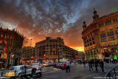 Barcelona in Spain is one of the most popular tourist destinations in the world, not only for complete holidays but also for short city trips (for those living not too far away that is). These are the top 10 sights you should see in Barcelona Beautiful Places In The World, Beautiful Places To Visit, Amazing Places, Places To Travel, Places To See, Madrid Wallpaper, Visit Barcelona, Barcelona Catalonia, Barcelona Travel