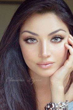 Claudia Lynx ♥  Hermosos ojos !!