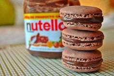 Unmistakable macaroons with nutella with Thermomix, almond biscuits, soft with slightly cracked surface to easily make at home. Nutella Macaroons, Nutella Pancakes, Nutella Cake, Dessert Thermomix, Easy Potato Salad, Number Cakes, Cupcakes, Easy Salad Recipes, Almond Cakes