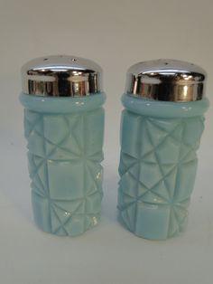 VINTAGE WESTMORELAND GLASS SALT PEPPER SHAKERS OLD QUILT BLUE MILK GLASS | eBay