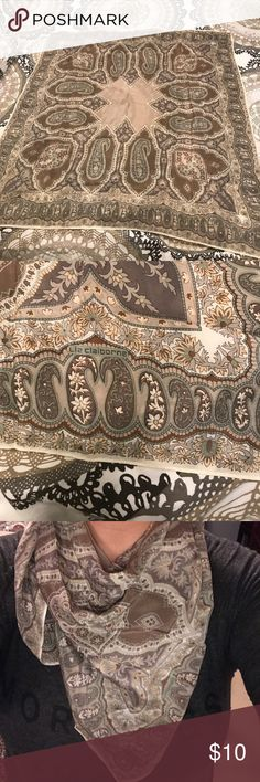 """Liz Claiborne Square Kerchief Scarf Beautiful fall colors and a paisley print! Measures 34""""x34"""" Liz Claiborne Accessories Scarves & Wraps"""