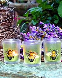 Bee~utiful... I am going to DIY these!!!  :)