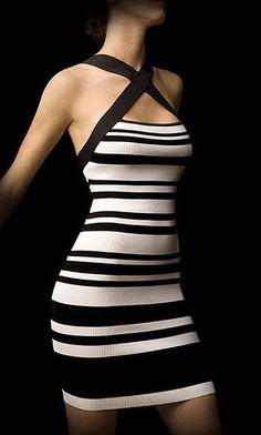 siyah-beyaz-kiyafet-modasi-14