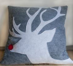 26 Awesome Handmade Christmas Pillows and Covers