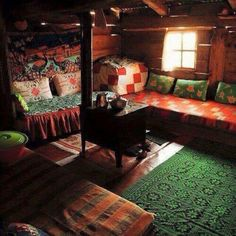 Colorful and cozy. Wooden Shack, Eco Buildings, Istanbul, Cabin Interiors, Home Accents, Sweet Home, Room Decor, House Design, Interior Design