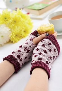 Raverly: Wrangler Fingerless Gloves, Fleur-de-lis, Knitting Pattern
