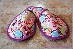 Cuando vamos de viaje nos vemos obligados a ahorrar el máximo espacio en la maleta y, por eso, estas zapatillas son ideales. ¿Queréis ver cómo hacerlas?