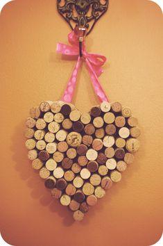 a champagne dream: Valentine DIY: Wine Cork Heart Wine Cork Projects, Wine Cork Crafts, Wine Bottle Crafts, Diy Projects, Champagne Cork Crafts, Cork Heart, Wine Cork Coasters, Valentine Day Crafts, Holiday Crafts