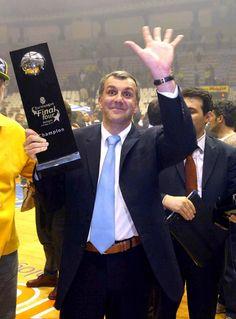 Ο Ζέλικο Ομπράντοβιτς γιορτάζει σήμερα (09/03) τα γενέθλια του και το gazzetta.gr σας θυμίζει μέσα από ένα φωτογραφικό αφιέρωμα όλους του τίτλους που έχει κατακτήσει ως προπονητής! Champion, Basketball, Pisces, Heart, Fashion, Moda, Fashion Styles, Pisces Sign, Fashion Illustrations