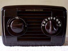 Antique GE Radio