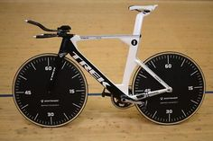 Jens Voigt's hour record bike from cyclingnews.com. Image by Maxime Schmid