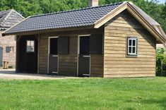 Ermelo paardenstal - Schuren/Garages - Projecten | van den Berg Houtbouw Country Barns, Country Life, Small Horse Barns, Horse Paddock, Chicken Barn, Horse Shelter, Run In Shed, Horse Stalls, Animal House