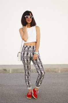 Patterned trou!