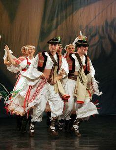 Svadba spod Poľany Polish Folk Art, Folk Clothing, Beautiful Costumes, World Of Color, Folk Costume, Ancient Art, People Around The World, Hungary, Croatia